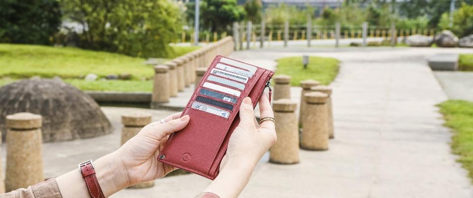 Crimson Red Calfskin Smooth Fine Grain Genuine Leather Wristlet Long Wallet
