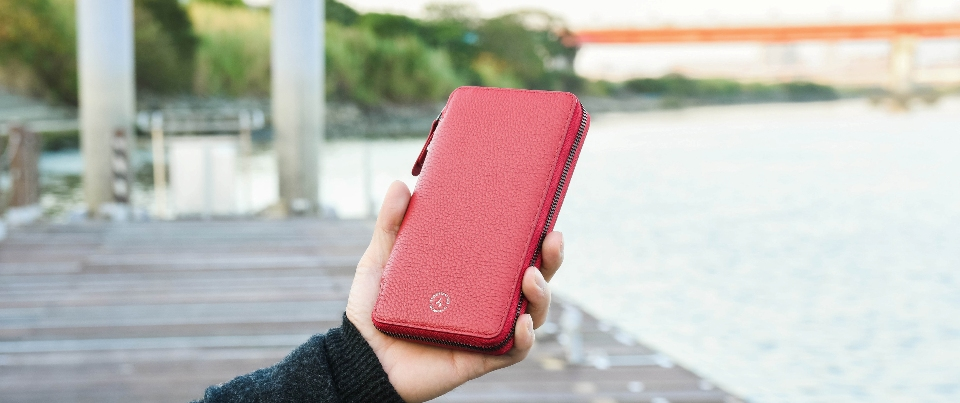 Red Apple  iPhone XS Max, XR, NOTE 9 Leather Zipper Travel Pocket Wallet