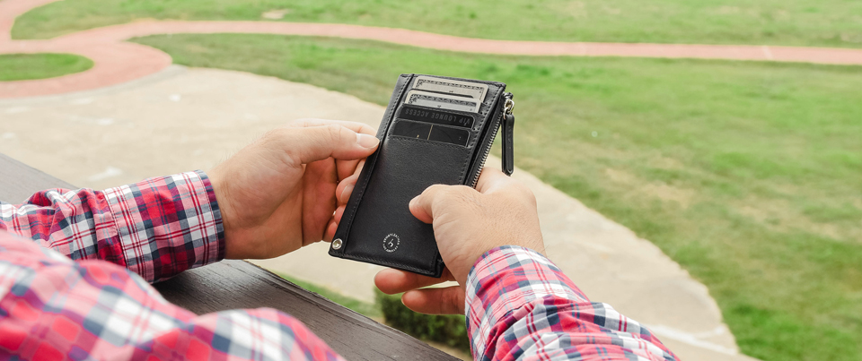 Black Calfskin Smooth Fine Grain Genuine Leather Slim Card Wallet